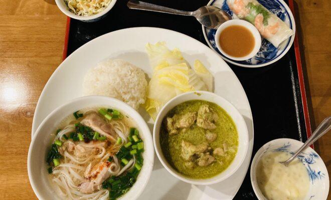 鶏肉フォーとグリーンカレー